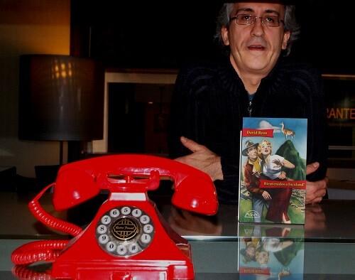David Roa da un repaso al universo peruano en su nueva obra.