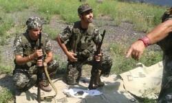 Dos españoles en las filas de soldados prorrusos. (Foto-M.I.)