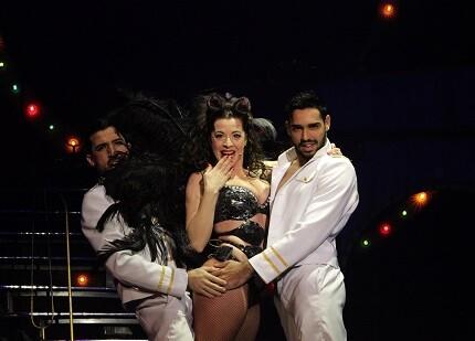 Dos horas de show que juega entre circo, el humor picante y el musical. (Foto-Valencia Noticias)