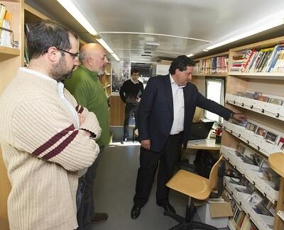 El bibliobús ya ha superado las 10.000 préstamos a sus usuarios.