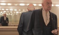 El ilusionista Lavand momentos antes de salir al escenario. (Foto-Agencias)