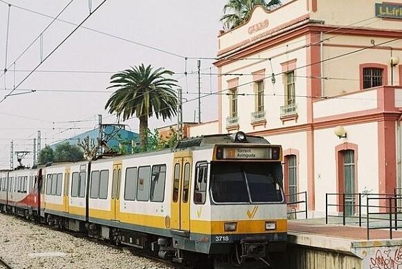 Estación Metro de Llíria.