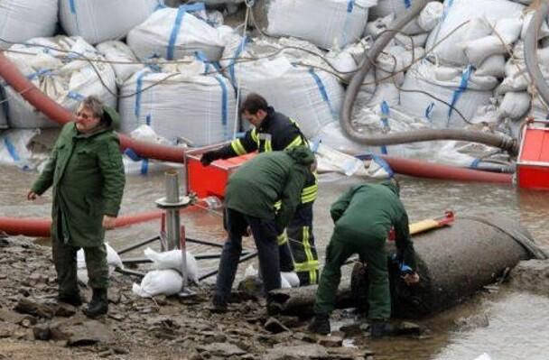 Expertos en explosivos tomaron medidas preventivas y actuaron con rapidez para evitar cualquier desgracia.