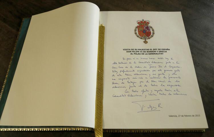 Firma_Libro_Honor_Felipe_VI_2