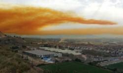 Fotos y vídeo una impresionante nube tóxica puso en alerta a Barcelona (1)