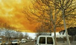 Fotos y vídeo una impresionante nube tóxica puso en alerta a Barcelona (2)