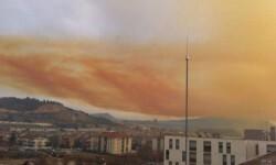 Fotos y vídeo una impresionante nube tóxica puso en alerta a Barcelona (3)