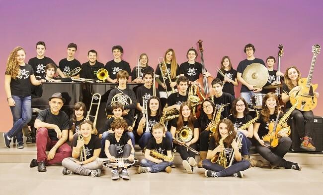 Jóvenes integrantes de la Sant Andreu Jazz Band.