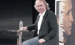 Joan Manuel Serrat durante la presentación de su último disco, 'Antología desordenada, en Madrid.