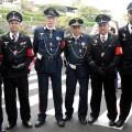 Juan José Gaztañazatorre (el primerom por la izq) junto a un grupo de amigos vestidos con atuendos de oficiales nazis.