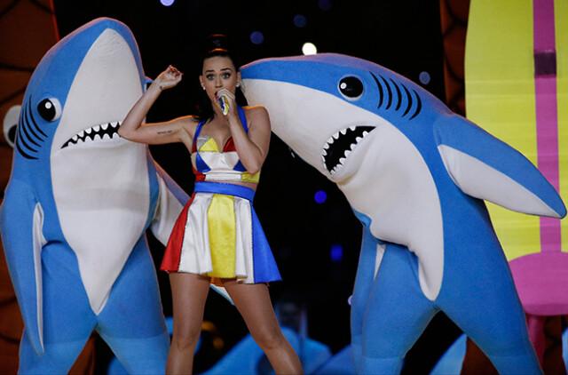 Katy Perry ruge fuerte pero no impacta en el Super Bowl XLIX (3)