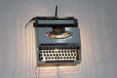 Lámpara máquina de escribir.