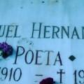 Lápida de la tumba de Miguel Hernández. (Foto-F.M.H.)