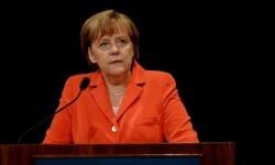 La canciller alemana, Angela Merkel en una rueda de prensa. (Foto-Agencias)