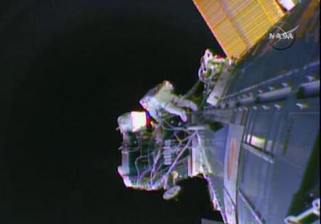 Los astronautas realizan un segundo paseo espacial. (Foto-Nasa)