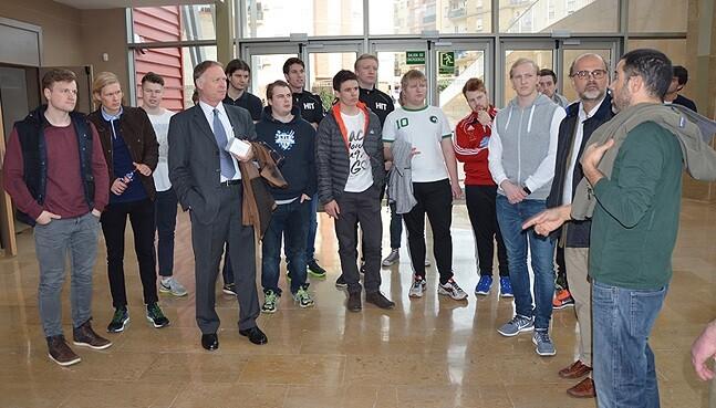 Los jóvenes universitarios noruegos participan en las actividades de la UCV. (Foto-AVAN)