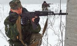Los soldados siguen en sus puestos de ataque. (Foto-RIA Novosti )