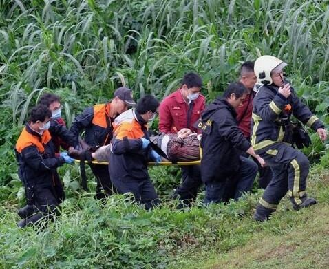Miembros del cuerpo de rescate