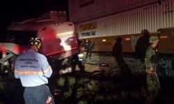 Miembros del ejercito y Protección civil realizan tareas de salvamento. (Foto-Televisa)