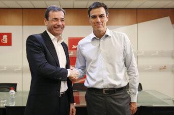 Pedro Sánchez y Tomás Gómez en una imagen que ya no se volverá a repetir. (Foto-Agencias)