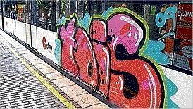 Pintada en un Metro de Valencia. (Foto-MetroValencia)