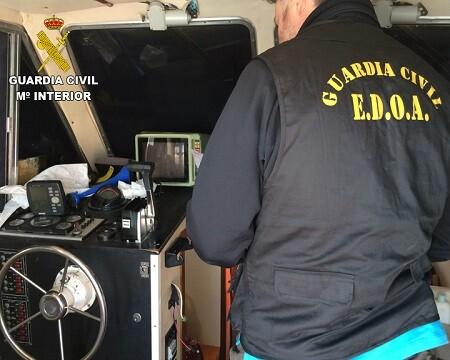 Se intervinieron 465 kilos de cocaína en la embarcación.