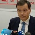 Tomás Gómez habla a los medios de comunicación. (Foto-rtve)