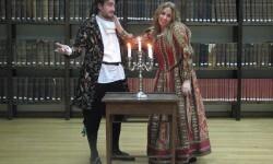 Un momento de la pieza teatral, 'La dama boba'.