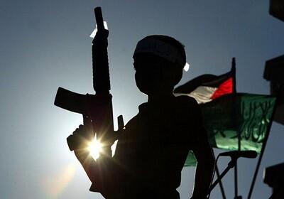 Uno de los miles de niños soldados que participan en conflictos bélicos. (Foto-Agencias)