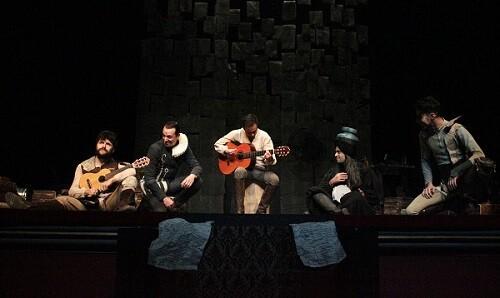 Uno de los momentos musicales de la obra. (Foto-Valencia Noticias)