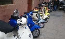 Ves'pa la Falla, Sagunt-Sant Guillem reúne cerca de 300 Vespas y Lambrettas en la cuarta concentración (7)