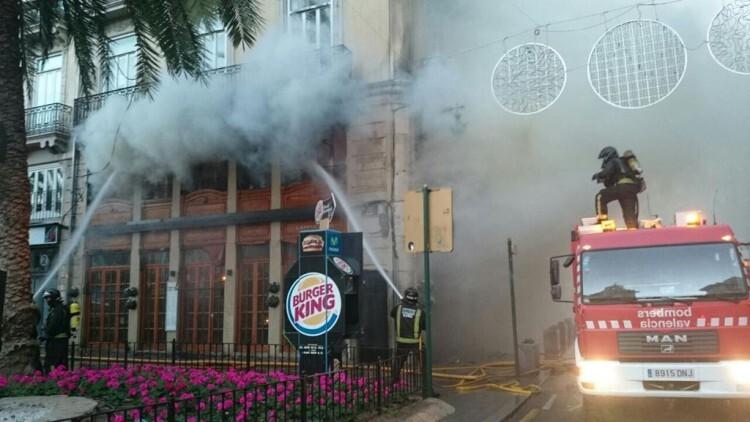 incendio en la calle la reina de valencia (2)