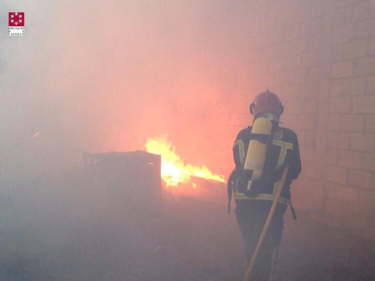 vila-real-incendio-extinguiendo