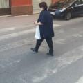 Imagen de un paso de peatones que será repasado en la calle Reis Catòlics del barrio de Alborgi