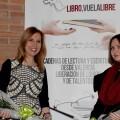 Carmen Jávega, alcaldesa de Aldaia, y la profesora  Aurora Luna, directora del certamen 'Aldaia Cuenta'.
