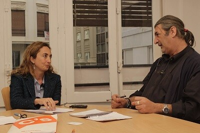 Carolina Punset durante un momento de la entrevista.