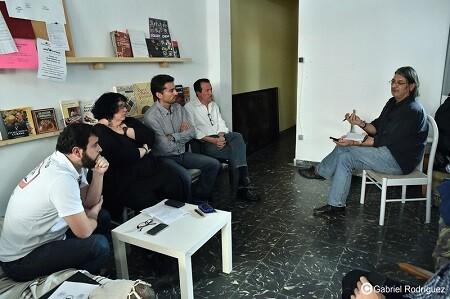 Charla con los medios de los representantes de la formación València en Comú. (Foto-Gabriel Rodríguez)