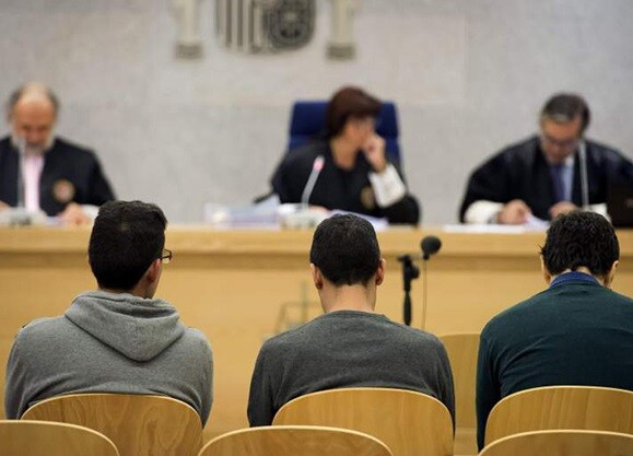 David González Hernández y Raúl Antonio Luque, durante el juicio en noviembre de 2014. (Foto-efe)