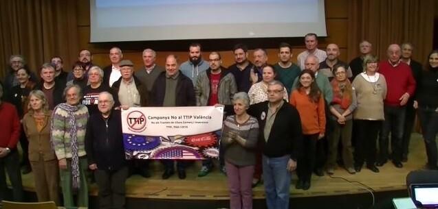 Diversos colectivos sociales rechazan el Tratado Transatlántico de Comercio e Inversiones.