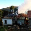 El fuego se propagó rápido por la vivienda en la localidad de  Biescas, (Valdes-Asturias)