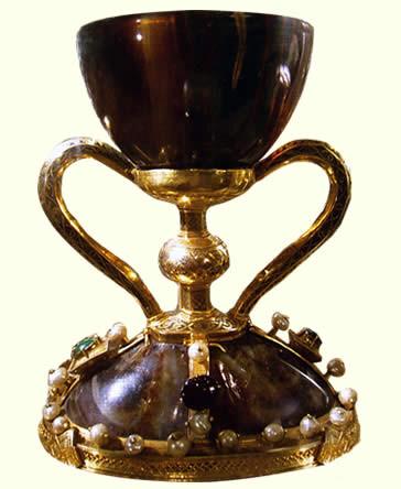 El Santo Cáliz de Valencia sigue despertando el interes de historiadores y estudiosos del tema.