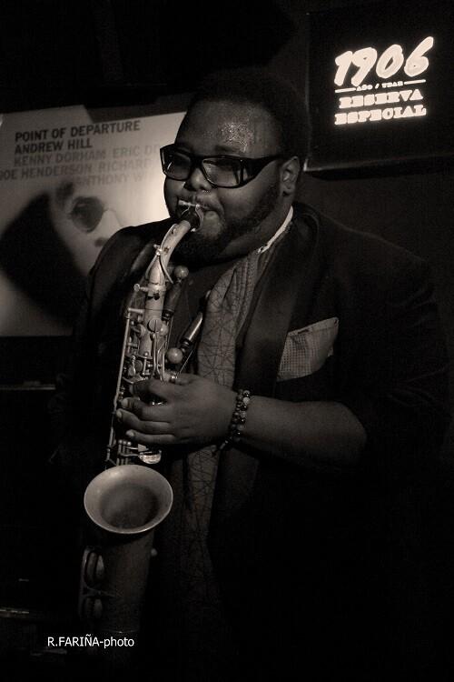 El saxofonista Godwin Louis, componente de la formación de Al Foster.
