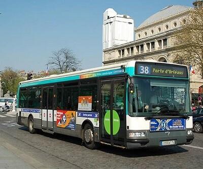 El servició de autobús fue gratis para los viajeros en el día de hoy. (Foto-Agencias)