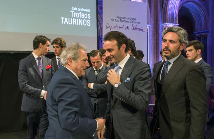 Entrega trofeos taurinos foto_Abulaila (4)
