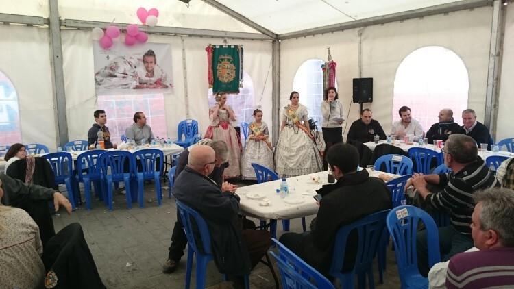 Fallas 2015. La Falla Plaza de la Merced celebra el día de los colaboradores (23)