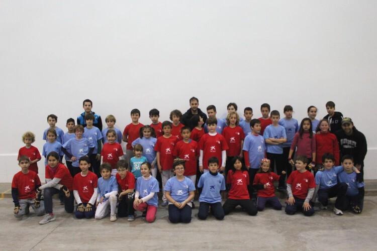 Foto. Niños y niñas en la jornada de Borbotó, de raspall