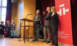 Inauguración de la exposición 'En tránsito'. De izda. a dcha. Ramón Puig Cuyàs (E. Massana), Ferran Ferrando Melià (I. Cervantes) y Heidi Schechinger (EASD València).
