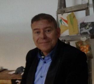 José Motos Martínez fotografiado durante la presentación del libro en Valencia.