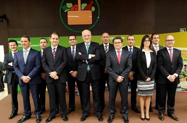 Juan Roig junto a su cuerpo de directores generales de Mercadona.