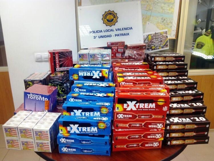 La Policía Local inspecciona en los primeros 9 días de la Campaña de Fallas, 81 locales de venta de material pirotécnico